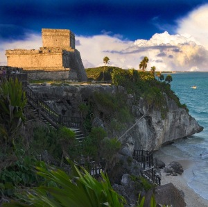 Mayan ruins overlooking the Caribbean Sea at Tulum, Mexico (Photo by Miguel Vasquez via Trover.com)